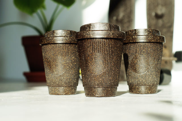 The Weducer cup has a grooved surface. Photo: © Kaffeeform