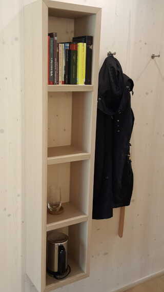 Book shelf in the Entrance of the Soulmade Business Suite. Photo: Seas & Straws