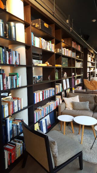 Books, books, books in the Soulmade lobby. Photo: Seas & Straws