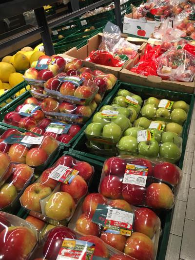 Plastic Packaging - Apples