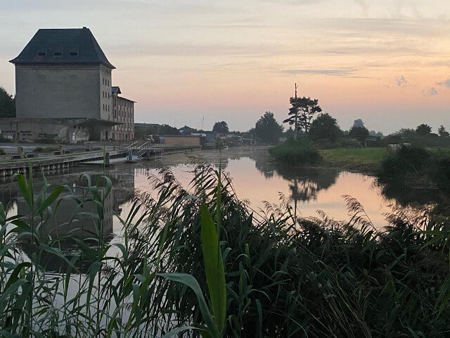 Sunset over the river. Photo: ©Seas & Straws