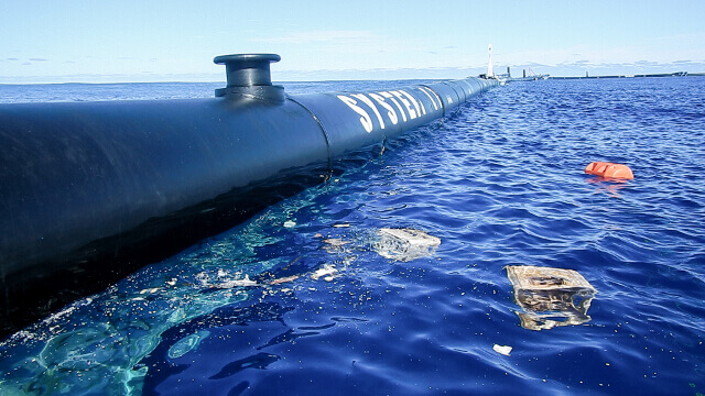 The Ocean Cleanup - System 001. Photo: ©The Ocean Cleanup